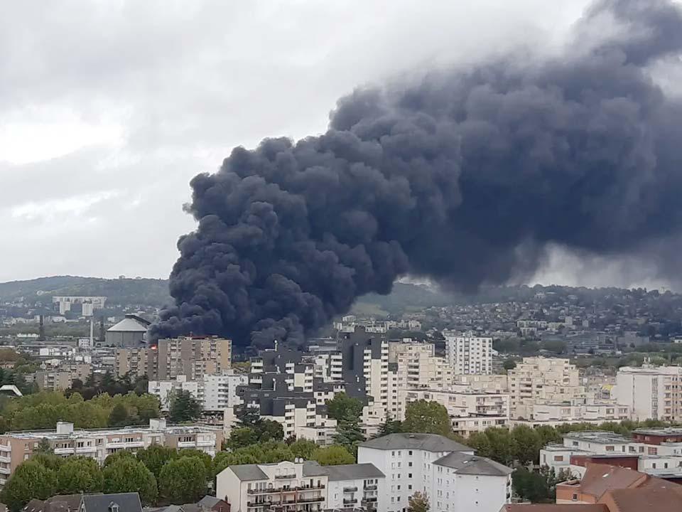 la catastrophe Lubrizol à Rouen © @Stef Anie